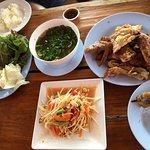 ภาพถ่ายของ ไก่ย่างบัวตอง (ไก่ย่างวิเชียรบุรี)