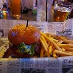 Burger Moe's Foto