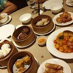 ภาพถ่ายของ China Table