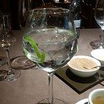 Un digestivo: media gin tonic. Excelente idea las medias raciones.