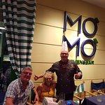 Photo de Mo Mo Kitchen & Bar