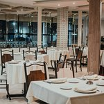 Salón principal de Puerta Grande Restaurante