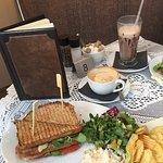 صورة فوتوغرافية لـ BonBons Coffee Bar