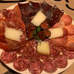 Tabla de embutidos y quesos Asturianos