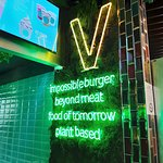 Zdjęcie Vedang - plant burger (Mall of Berlin)