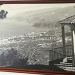 Cuadro en el bar, con imagen de Puerto de la Cruz en los años 80s.