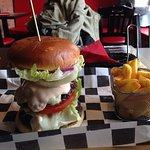 Burger KOZAK i frytki