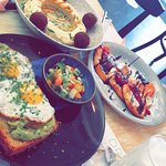 Florentin 1070 - Middle Eastern Restaurant Foto
