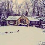 Winter at Cherry Ridge Retreat, Ravine's Edge exterior