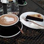 Veganský dort a horká čokoláda