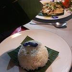 Фотография Kwan Khao & Krua Klang Soi restaurant