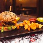 Meating pub & restaurant의 사진