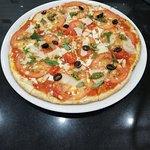 Pizza aux tomates fraîches... 🍕😀