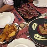 Fotografija – Hungry Gastro Food Bar