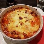Tris (lasagne, cannelloni en tortellini bolognese)