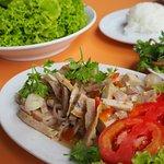 Vietnamese Sausage Spicy Salad (80.-)