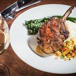 صورة فوتوغرافية لـ Mike's American Grill