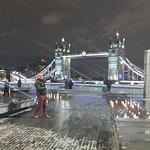 Foto van Gaucho Tower Bridge