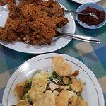 Foto Ayam Goreng NY. Suharti