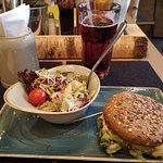 Fotografia de HANS IM GLUECK Burgergrill & Bar