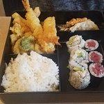 Tsunami Restaurant & Sushi Bar照片