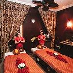 Традиционный тайский массаж в Минске, а также более 30 спа-церемоний. Спа-салон премиум класса в центре города.