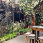Photo de Lucy Lounge & Restaurant