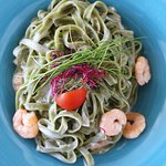 Green pasta with shrimps