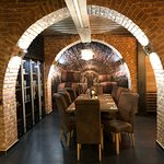 Stylové posezení u dobrého vína v restauraci U Tlustých v Lednici
