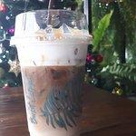 คาราเมล มัคคีอาโต้ แบบหวานน้อย อร่อยขมรสกาแฟ หอมหวานนมสด