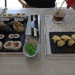 Roll de foie, nigiri de tortilla, maki de atún y temaki deluxe