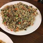 Arroz frito con Mei Cai (cerdo). Un clásico ideal para acompañar platos con salsa o solo.