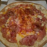 "Pizza ""Dolç i Bacó amb Provolone"""