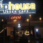 TapHouse Bar & Restaurant