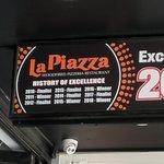 صورة فوتوغرافية لـ La Piazza