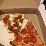 2 Bros Pizza照片