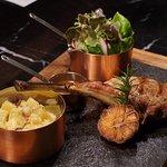 ภาพถ่ายของ Pineapple Cafe and grill