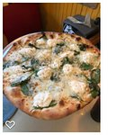 12 Inches White-Pizza ... very good and plenty for 2 People for Lunch. I will be back trying ano