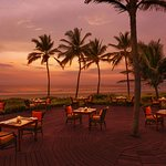 Offering a panoramic view of the Arabian Sea, the outdoor restaurant features tandoors & grills.