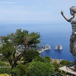 Capri Island: Day Trip with Lunch from Naples