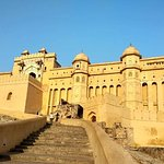 Fascinating Day Tour in Jaipur with Guide