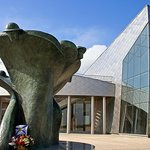 Full-Day Canadian Battlefields and Sites of Normandy Tour