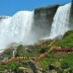 乘坐少女号的美国尼亚加拉瀑布之旅