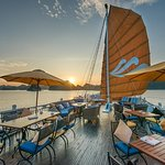 Paradise Luxury Day Cruise With Private Accommodation
