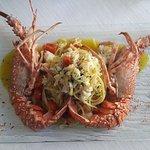 La nostra Linguine (pasta fresca dello Chef) con Aragosta di fondale e pomodorini BIO