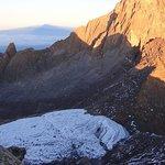 7 일 케냐 하이킹 (암벽 등반)