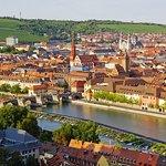 Autódromo de cerveja alemã com duração de 4 dias Tour de tradição cervejeira alemã de Freiburg para Heidelberg e Wuerzburg, incluindo City Tour em Freiburg