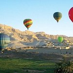 Sunrise Hot Air Balloon with Full Day Tour to the East and West Bank of Luxor