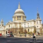 9Hr Tour St Paul's Cathedral, London Eye and Churchill War Rooms