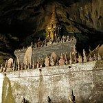 Pak Ou Caves和Kuang Si秋季一日游